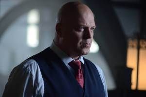 GOTHAM: Captain Barnes (Michael Chiklis) in the ÒRise of the Villains: Strike ForceÓ episode of GOTHAM airing Monday, Oct. 12 (8:00-9:00 PM ET/PT) on FOX. ©2015 Fox Broadcasting Co. Cr: FOX.