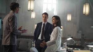 GOTHAM: L-R: Cory Michael Smith, Benjamin McKenzie and Morena Baccarin in the ÒRise of the Villains: ScarificationÓ episode of GOTHAM airing Monday, Oct. 19 (8:00-9:00 PM ET/PT) on FOX. ©2015 Fox Broadcasting Co. Cr: FOX.