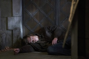 Supernatural-season-11-episode-6-Sam-unconscious