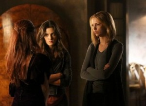The-Originals-season-3-episode-7-3x07-Out-of-the-Easy-Aurora-Hayley-Marshall-Freya-Mikaelson-330x242
