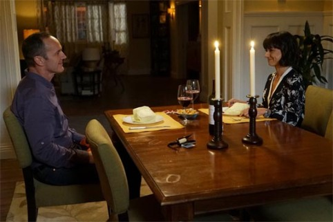 Agents of S.H.I.E.L.D. 3x09 - Clark Gregg, Constance Zimmer (Phil Coulson, Rosalind Price)