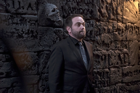 """Supernatural -- """"The Devil in The Details"""" -- Image SN1110A_0333 -- Pictured: Mark Sheppard as Crowley -- Photo: Katie Yu/The CW -- © 2016 The CW Network, LLC. All Rights Reserved."""