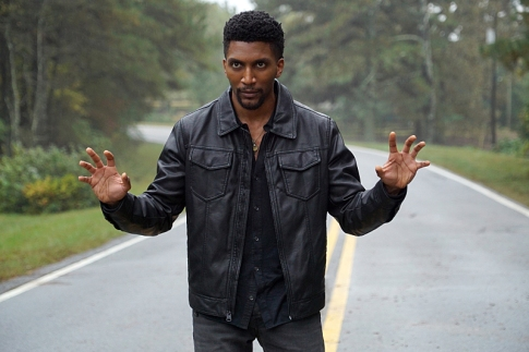 """The Originals -- """"A Ghost Along the Mississippi"""" -- Image Number: OG310b_0040.jpg -- Pictured: Yusuf Gatewood as Vincent -- Photo: Annette Brown/The CW -- © 2016 The CW Network, LLC. All rights reserved."""