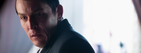 Gotham-2x16-Penguin